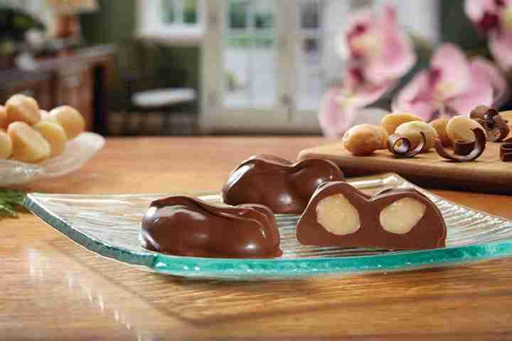 Hawaiian Snacks and Chocolate